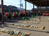 各地の朝市会が新春初売りを実施
