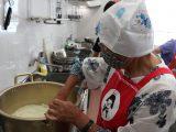 女性部扶桑支部が焼肉のタレ作り、ムスイ鍋講習会を行いました